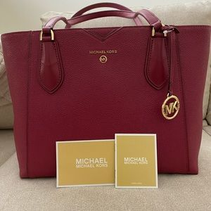 Michael Kors Purse - Mae Bag